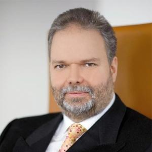 Dr Utz Claassen, CEO, Syntellix